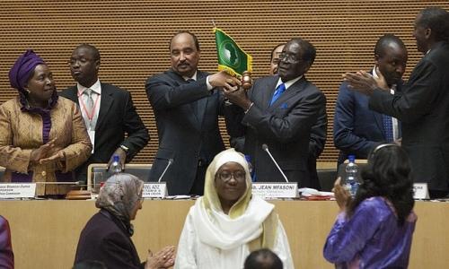2015年1月30日,穆加貝當選非洲聯盟主席。(照片來源: Zacharias Abubeker/AFP/Getty Images)