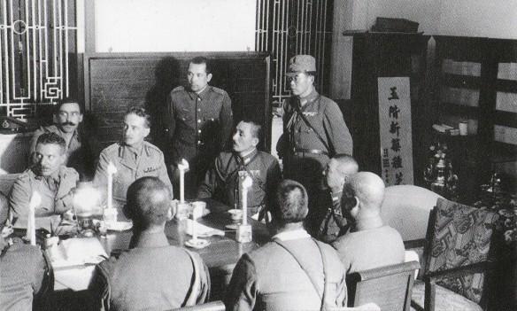 1941年12月25日,九龍半島酒店,英國殖民軍將領與日軍接洽投降事宜。對港獨人士而言,英國殖民政府領導的兩個禮拜的「香港保衛戰」,就是香港抗戰的全部。
